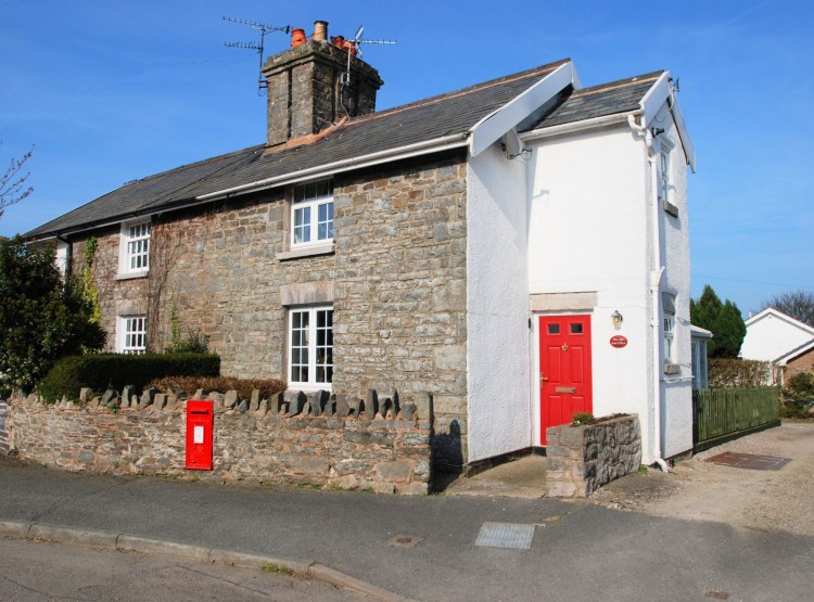 The Old Post Office In Llaneilian