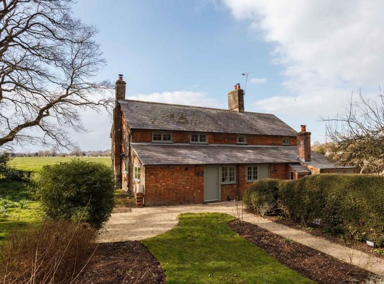 Plum Cottage At Wimborne