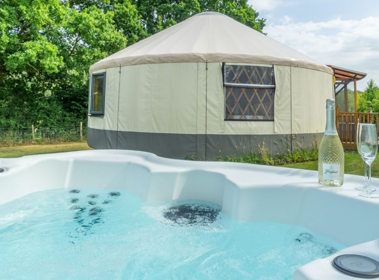 Oak Yurt At East Hoathly