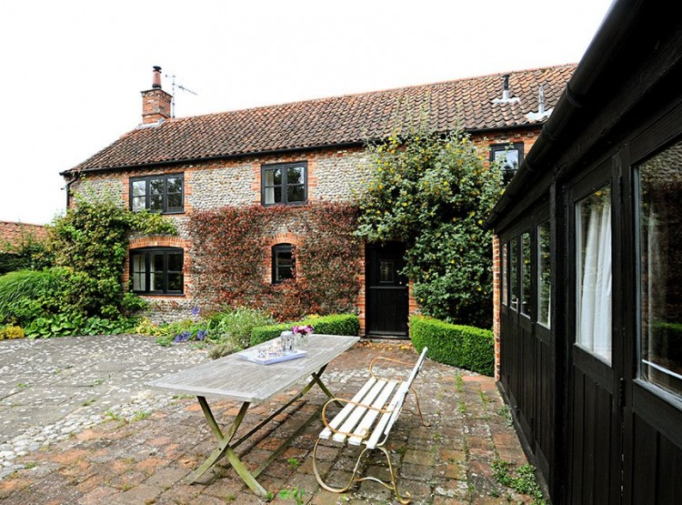 Byre Cottage In Langham
