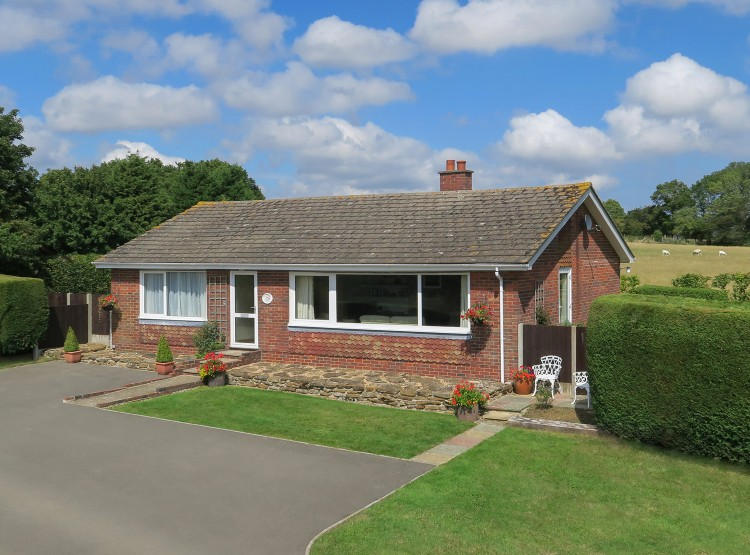 Meadow Cottage At Great Prawls Farm
