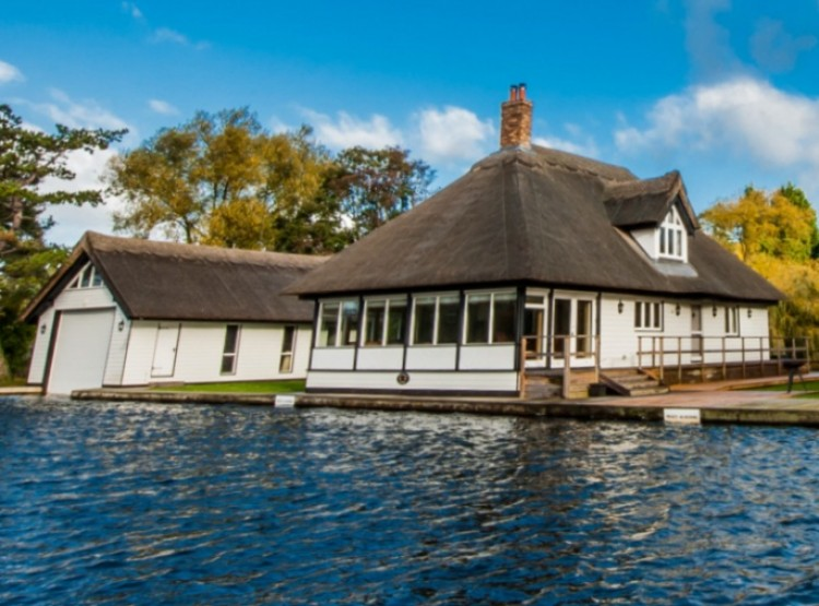 Riversmead Cottage In Horning