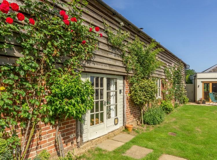Rose Barn In Shelley