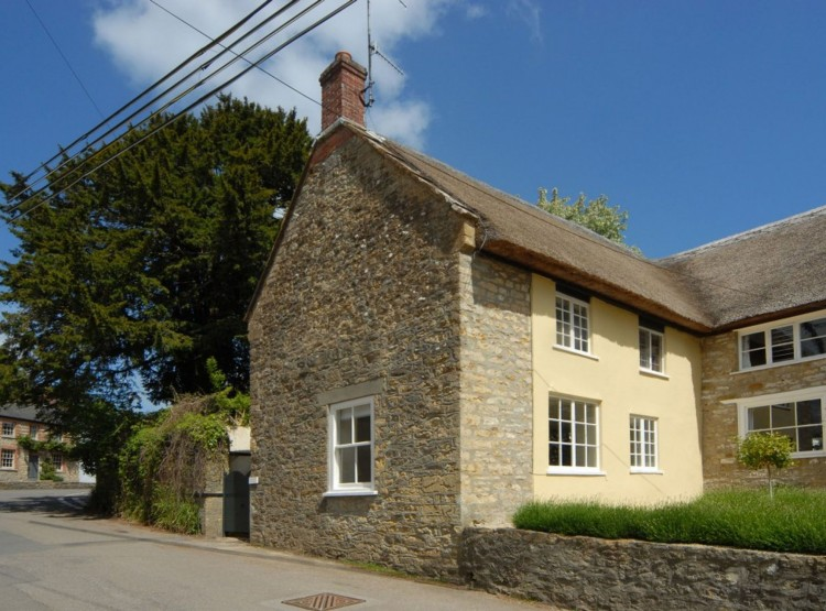 Pear Tree Cottage In Netherbury