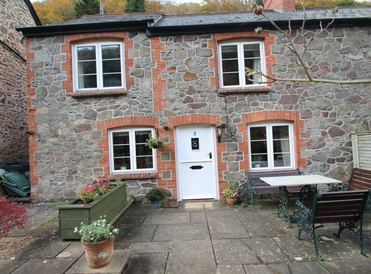 Magnolia Cottage In Porlock