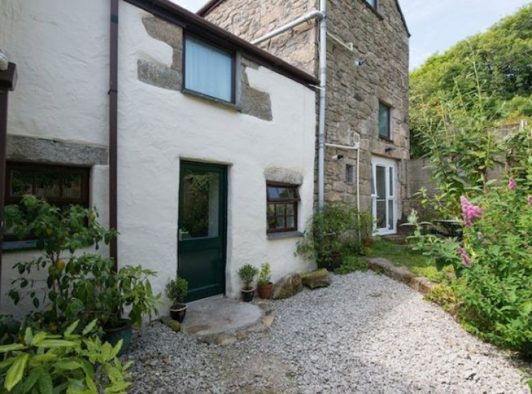 Dingley Cottage Near Falmouth
