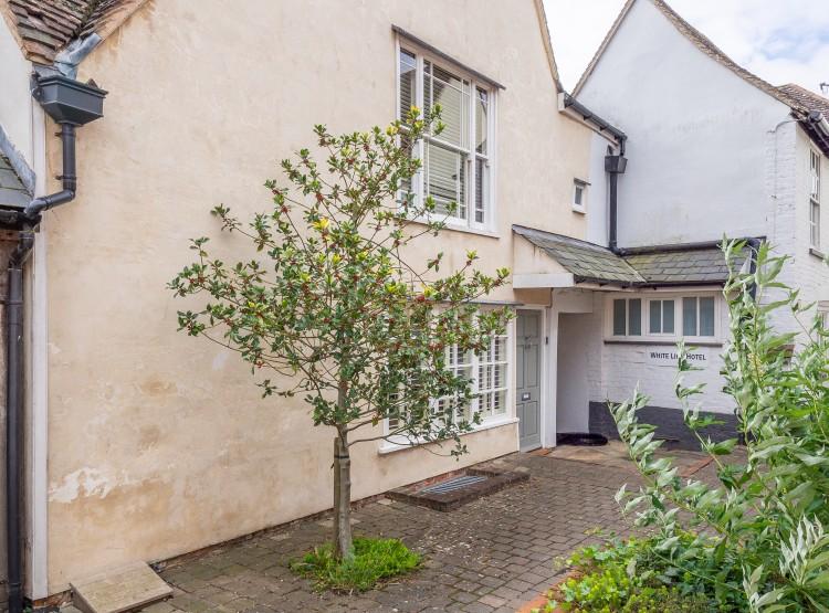 White Lion Cottage In Hadleigh