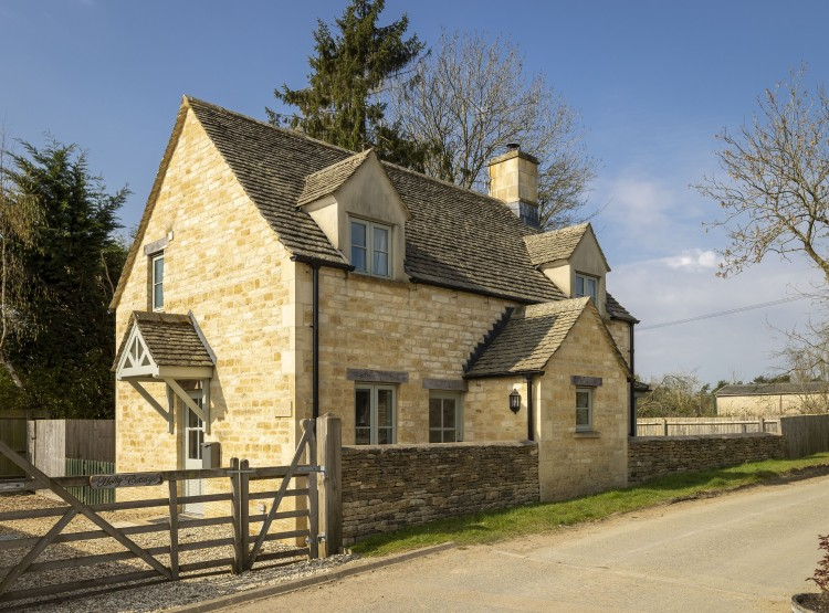 Holly Cottage At Ampney Crucis