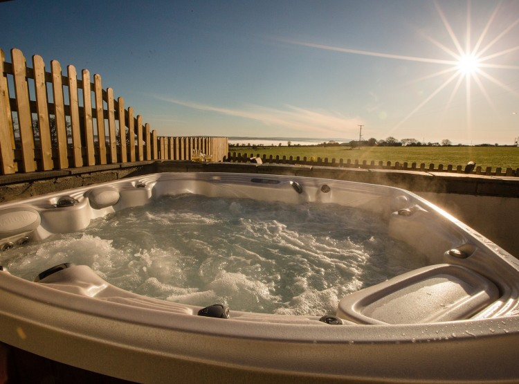 Meadow Cottage hot tub