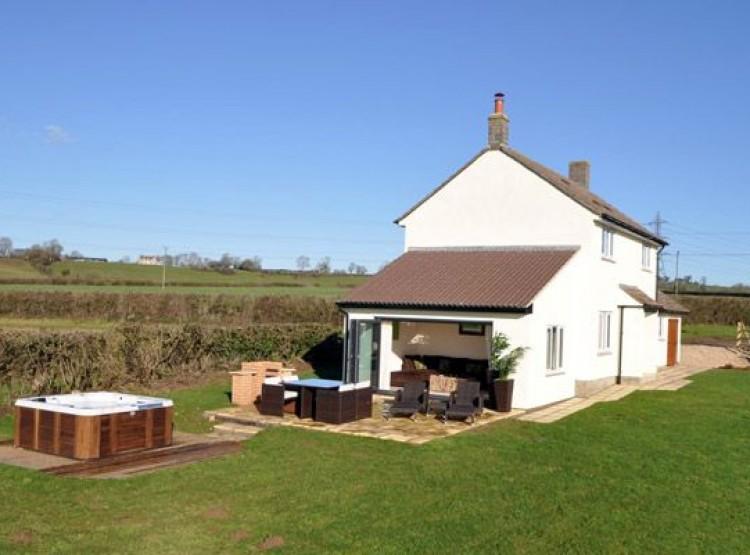 Apple Cottage At Lower Hedge Farm