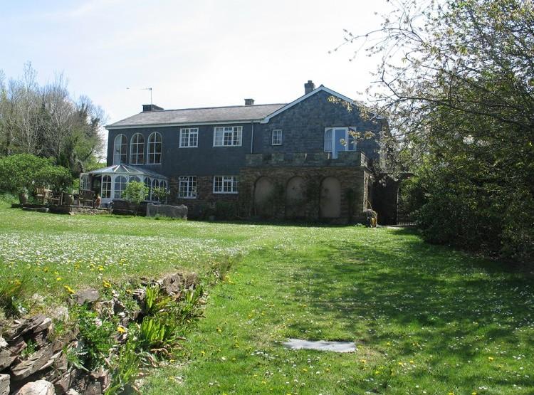 Browns Barn At White Cross