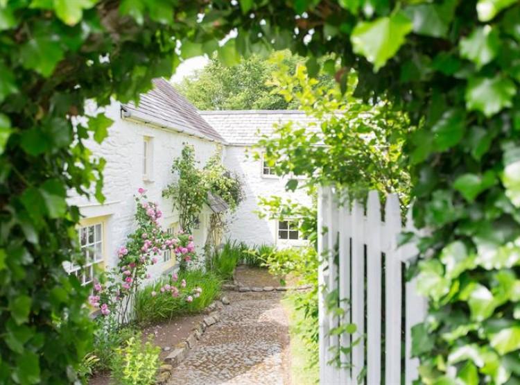 Mr McGregors FarmHouse At Long Furlong Cottages