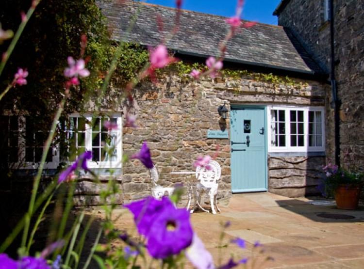 Little Cottage At Kingston Estate
