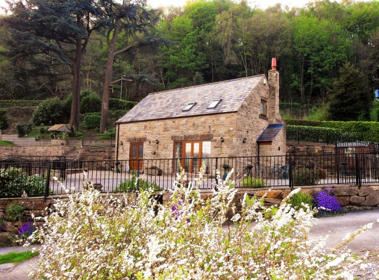 Two Owls Lodge At Two Dales Holiday Homes