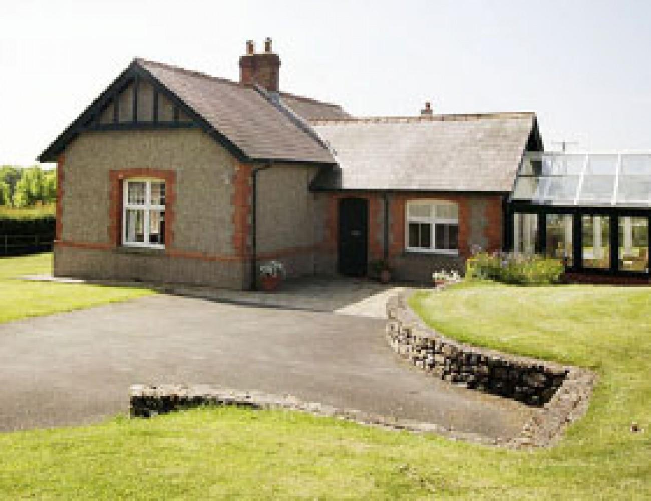 Estate office cottage unique holiday cottages for Unique holiday cottages