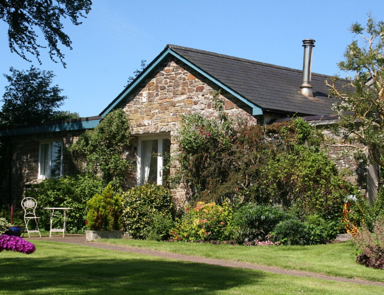 The garden cottage unique holiday cottages for Unique holiday cottages